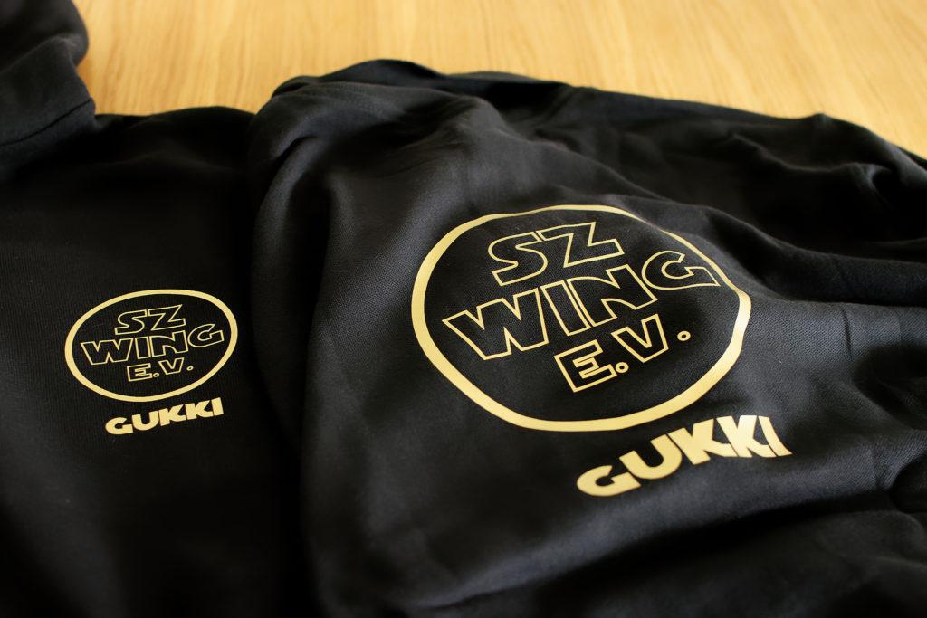 Teambekleidung für die SZ-Wing e.V.